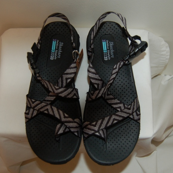 83d5fc7eccfc NWT Skechers Outdoor Lifestyle Reggae Sandals